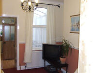 Looking for friendly housemate! Single room close to city centre & Uni. £355PM ~ All inclusive