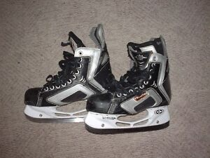 Easton Synergy SE6 Sr. Ice Hockey Skates size 7.0 D