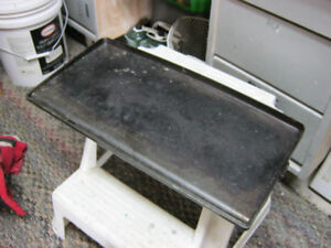 ALUMINIUM FIRE PIT GRILL WITH GREASE RUN OFF SPOUT