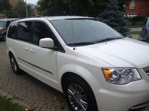 2013 beautiful Chrysler Town & Country