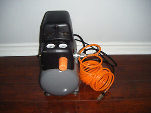 BRAND NEW HDX 2 GAL AIR COMPRESSOR FOR SALE