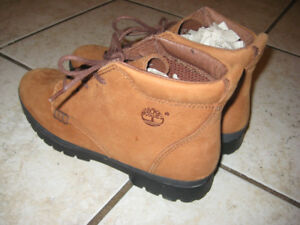 Brand new Women's size 8M Timberland boots, great xmas gift!