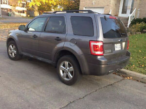 2009 Ford Escape Familiale West Island Greater Montréal image 1