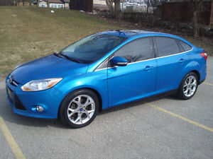 2012 Ford Focus SEL *LEATHER-SUNROOF-NAVIGATION*