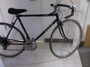 Raliegh 12 speed great condition