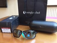 Brand New Oakley OO9302 Carbon Shift polarised in black