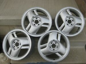 Alloy wheels with centre caps. Kitchener / Waterloo Kitchener Area image 1
