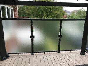 ProBuilt Aluminum Deck Railing with Frosted Glass
