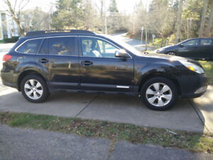 2010 Subaru Outback 2.5i Limited (With Navigation)