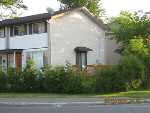 Alta-vista Town House for 5 University Students $390+utilities