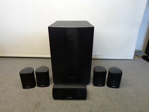STORE DISPLAY. COMPLETE 5.1 SPEAKER SYSTEM WITH CENTER & FOUR SA