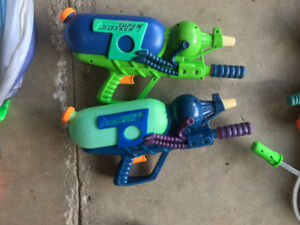 14 Super Soaker and other Water Guns with new Aqua Pack
