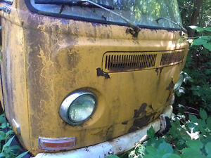1972 Volkswagen bus for parts