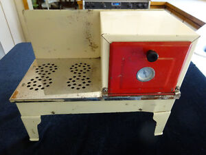 Vintage Child's Electric Stove - Circa 1930