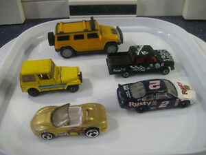 FIVE ASSORTED DINKY TOYS