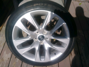 2013 hyundai set of oem rims.