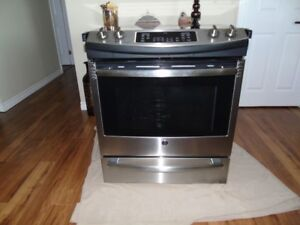 GE stainless, self clean slide-in oven