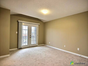 Executive townhouse (end unit) in immaculate condition! Kitchener / Waterloo Kitchener Area image 3