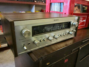 Vintage 1976 SONY AM-FM Stereo Receiver For Sale