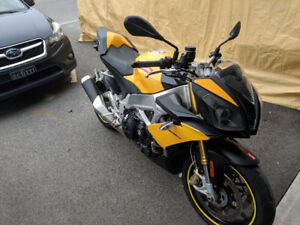 Aprilia Tuono 2012 a vendre / For sale