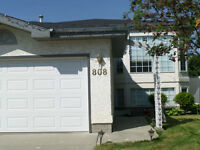 Renovated-Twin Brooks Home close to the Henday