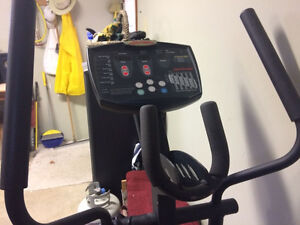 LIFE FITNESS X3 ELLIPTICAL FITNESS TRAINER GYM QUALITY $199!