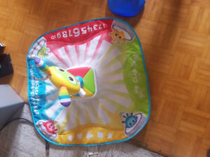 Lightup sing and dance play mat