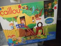 New Caillou Treehouse Set with 4 Figures: 36 Pieces