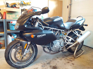 ***Make me an offer - Ducati 750 Sport***
