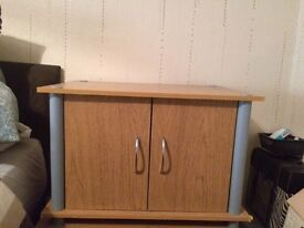 Small cupboards x2