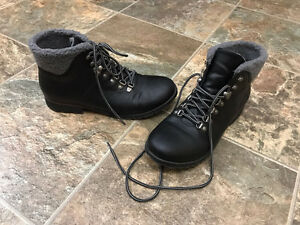 Rock & Candy black lace-up boots - barely worn