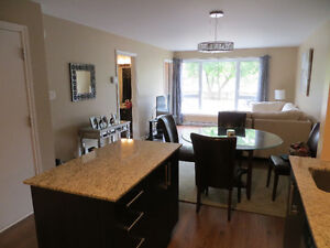 1 bedroom one bath condo minutes to downtown.