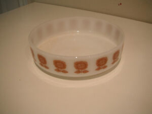 White and brown serving dish