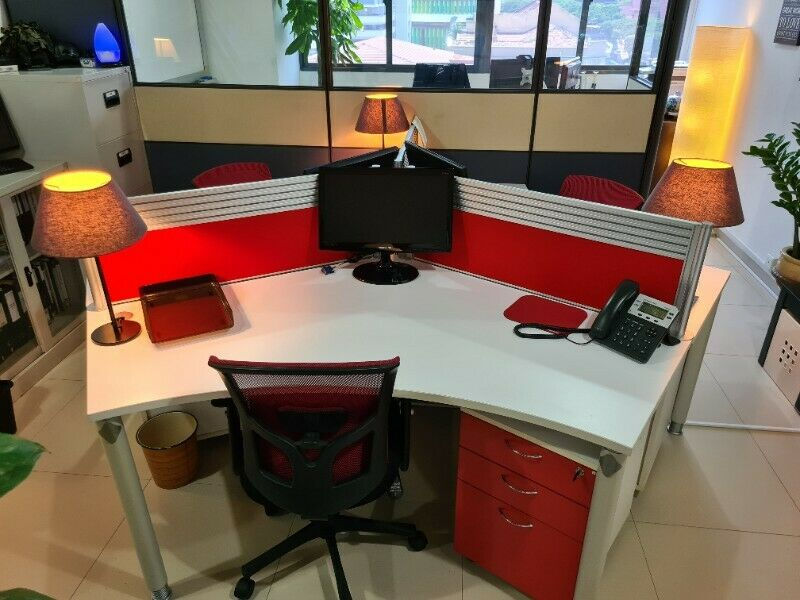 COZY OFFICE DESKS SPACE FOR IMMEDIATE SHARING !!!