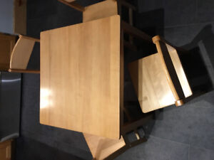 Kidkraft childs table with 4 chairs.
