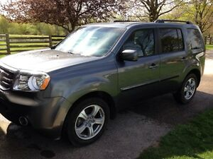 2012 Honda Pilot with leather and 4x4