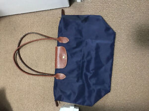Long champ le PLIAGE navy medium brand new condition
