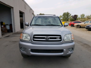 2002 TOYOTA SEQUOIA LIMITED 8 PASSENGERS