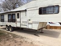 Jayco 5th wheel trailer