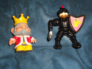King and Knight Medieval set of 2!~Lot