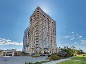 Spacious 865 ft.² 1+ Den/ 2Bath, bright condo for rent