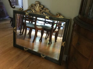 BEAUTIFUL WALL MIRROR IN NEW CONDITION