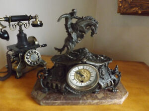 SCULPTURE EN BRONZE REMINGTON HORLOGE MANTEAU AVEC FIGURINE COWB
