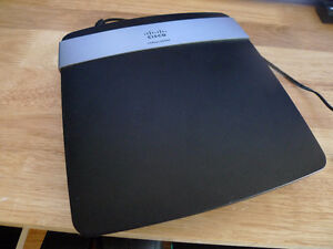 Cisco/Linksys E2500 Wireless N Router 300Mbps, LAN Ports 4