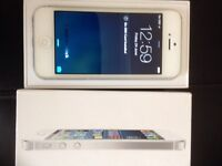 iPhone 5 on Vodafone/ libara 16gb