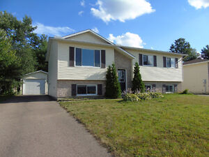 3 Bedroom Home with Detached Garage in Petawawa