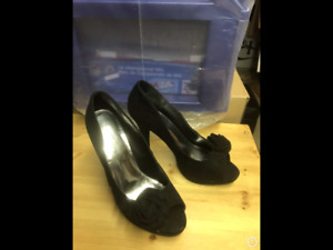 Shoes 4 inch heels Black 8.5 New OBO