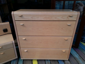 Ash Wood Effect Chest of 4 Drawers