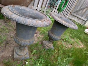 Sturdy metal flower pot