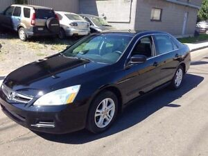 HONDA ACCORD 2006 ** 4 CYLINDRE + TOIT OUVRANT **